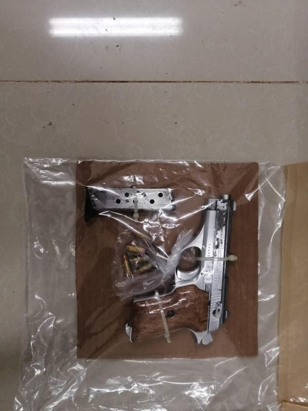 SSPYTM detiene a hombre con dos armas de fuego y cartuchos