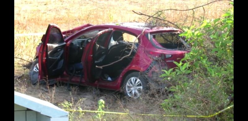 Localizan vehículo accidentado con fallecido en el interior