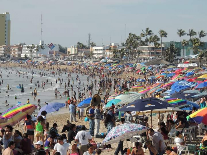 Mazatlán abrirá hoteles y playas el 1 de julio