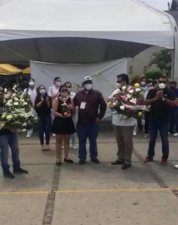 Rinden homenaje a personal del IMSS que falleció por COVID-19