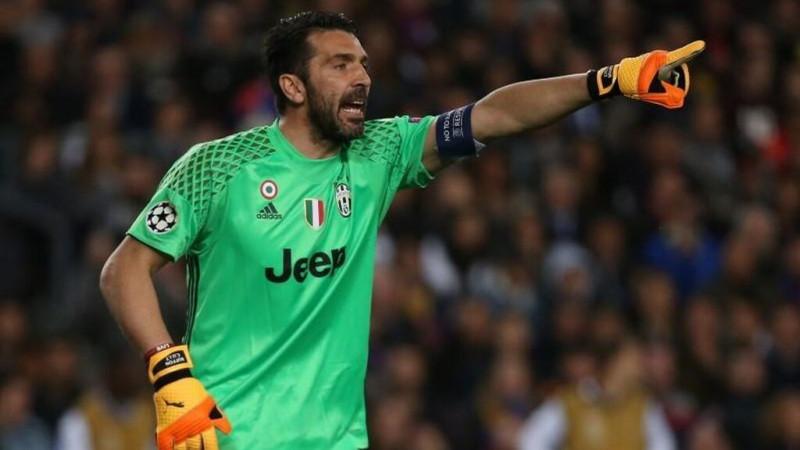 Buffon y Chiellini seguirán otro años con la Juve