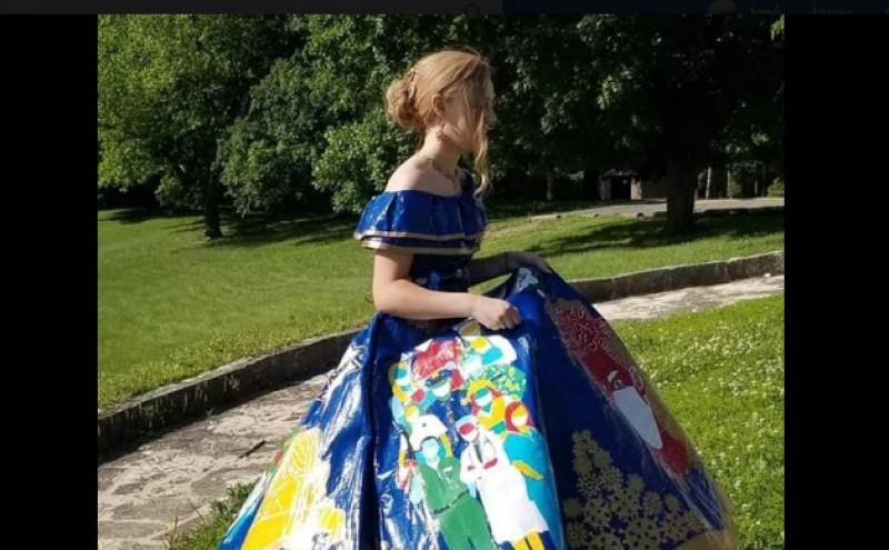 Confecciona su vestido de graduación con el tema del Coronavirus