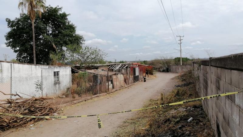 Encuentran hombre calcinado en terreno en El Barrio