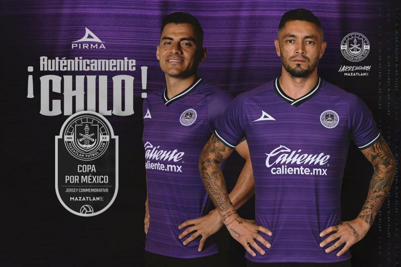 Mazatlán FC presenta uniforme conmemorativo