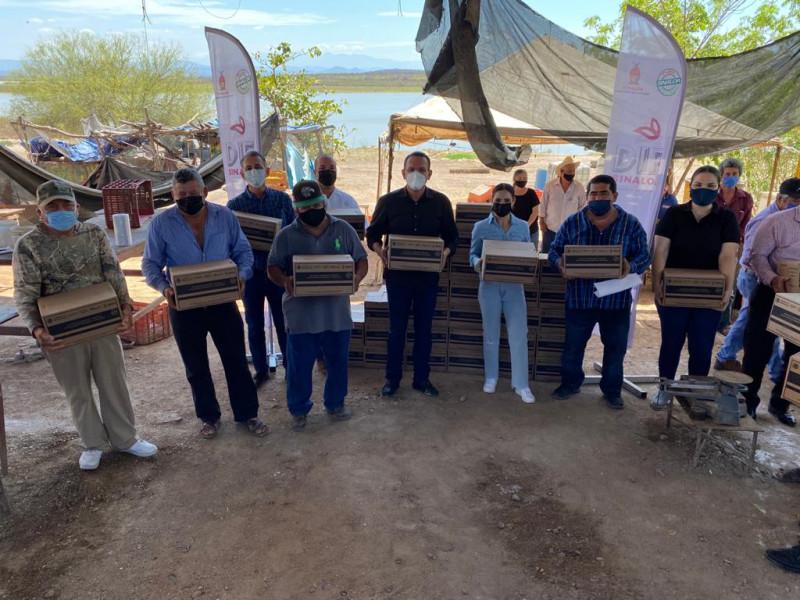 Al 50 por ciento entrega despensas DIF a pescadores: Sergio Torres