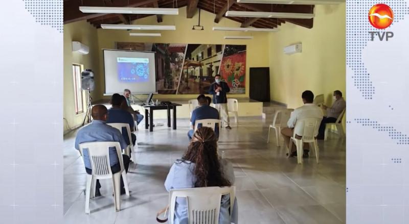COEPRISS capacita a trabajadores acuícolas de Rosario