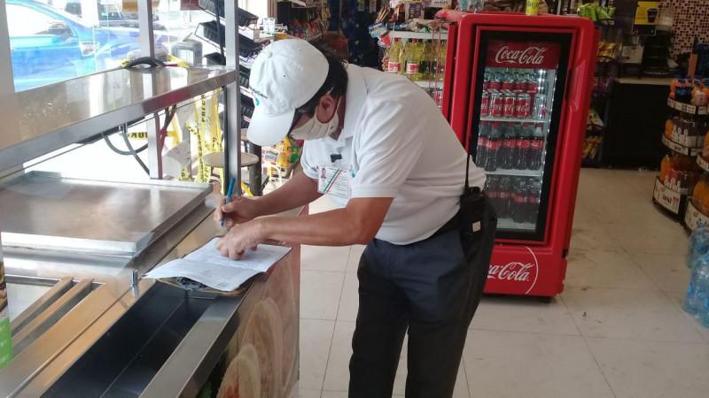 Sancionan tienda de conveniencia por desacato a normas sanitarias