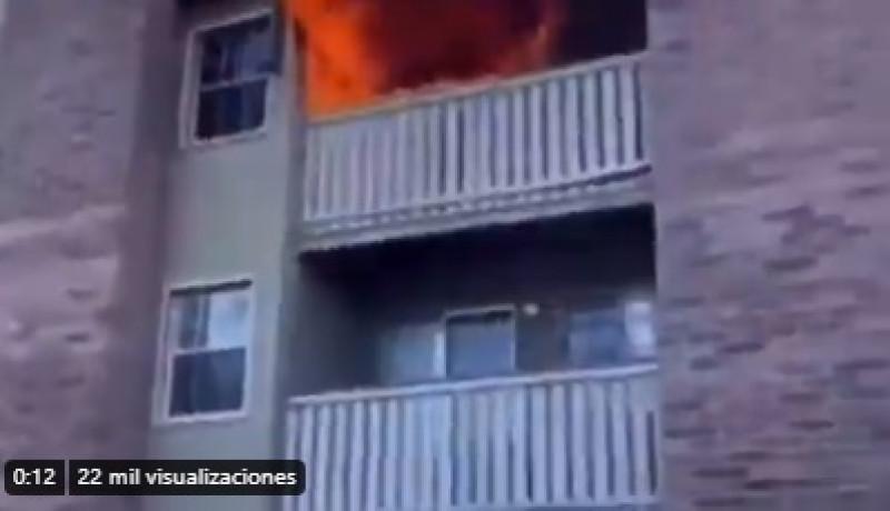 Video: mujer lanza a su hijo desde un 3er piso en llamas y un joven lo atrapa al vuelo