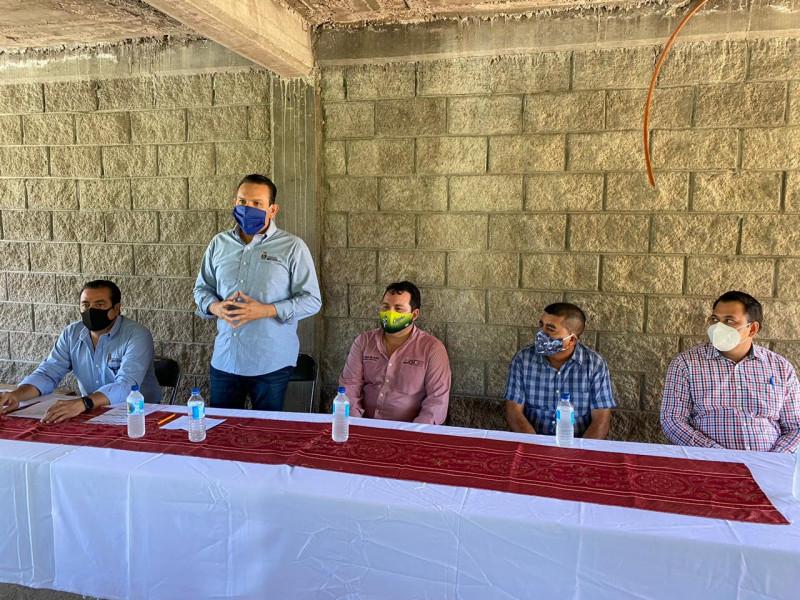 Lleva Sergio Torres el pago de empleo temporal a pescadores de Choix, El Fuerte y Sinaloa municipio