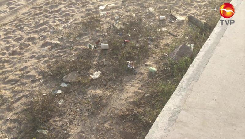 Siguen dejando basura en playas mazatlecas