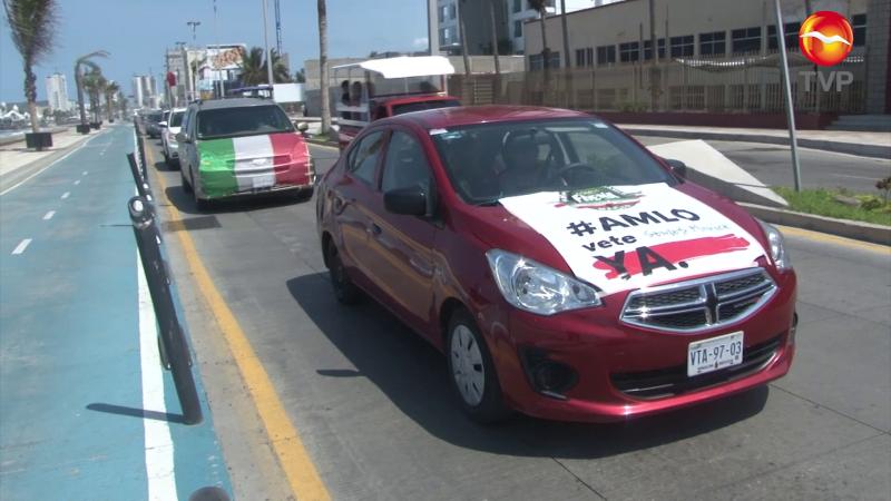 Protestan por tercera ocasión contra AMLO en Mazatlán