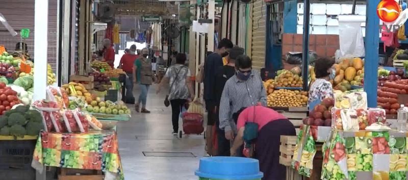 Mercados municipales confían en próxima alza de ventas en sus comercios