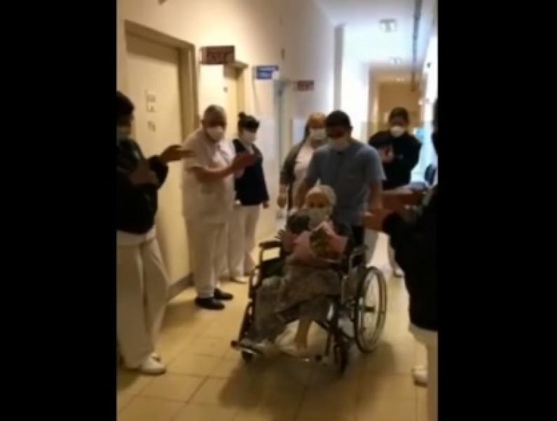 Video: anciana de 101 años vence al Coronavirus y la despiden con aplausos