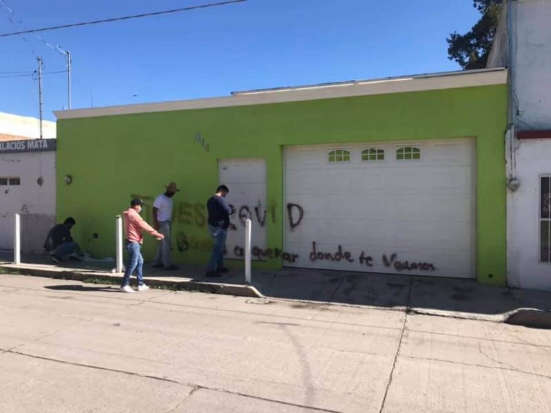 Pintan casa de enfermera que amenazaron con grafiti en Durango