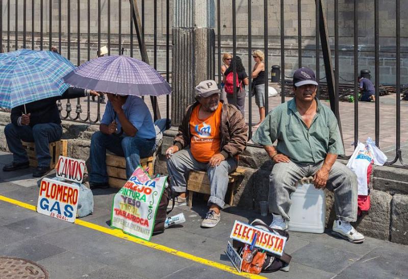 Al 54.9% de los mexicanos no le alcanzaba para la canasta básica en mayo: Coneval