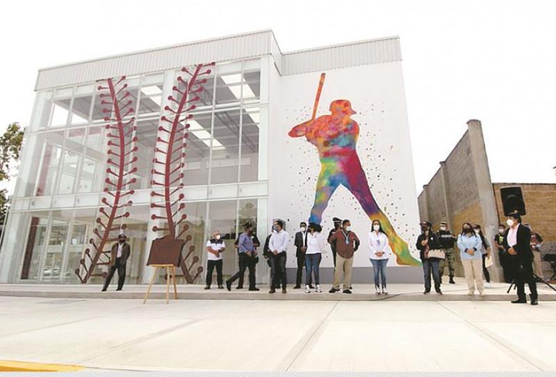 Inauguran Escuela de beisbol en el Estado de México: costó 78 millones de pesos