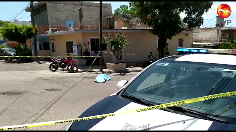 Muere acompañante de motociclista al caer del vehículo en movimiento