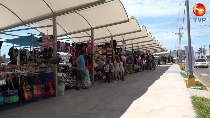 Aumenta afluencia de turistas pero no las ventas