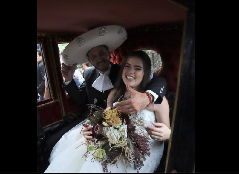 Nieta de Vicente Fernández se casa en plena pandemia al estilo charro