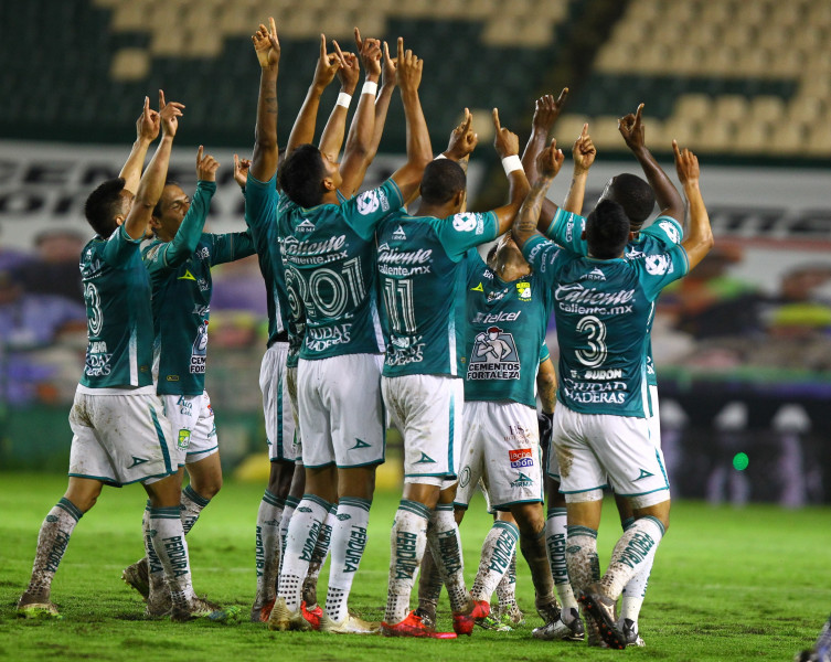 León supera a Rayados con gol de Montes