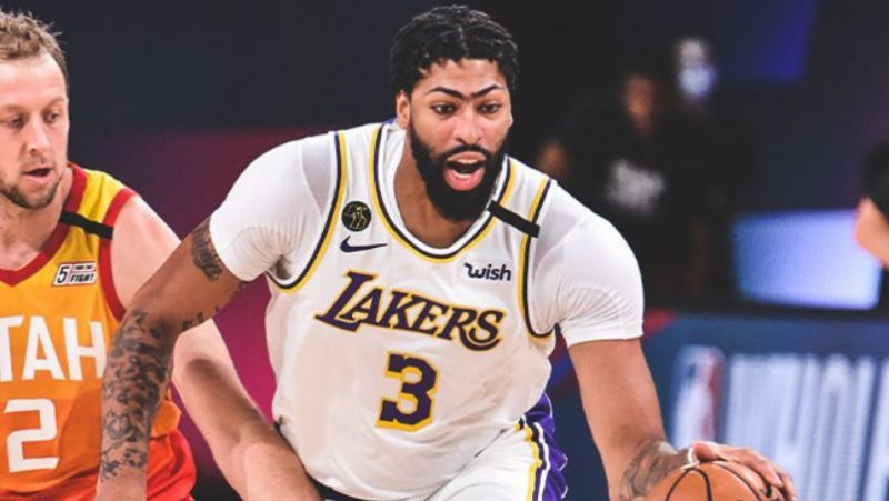 Los Lakers vencen al Jazz