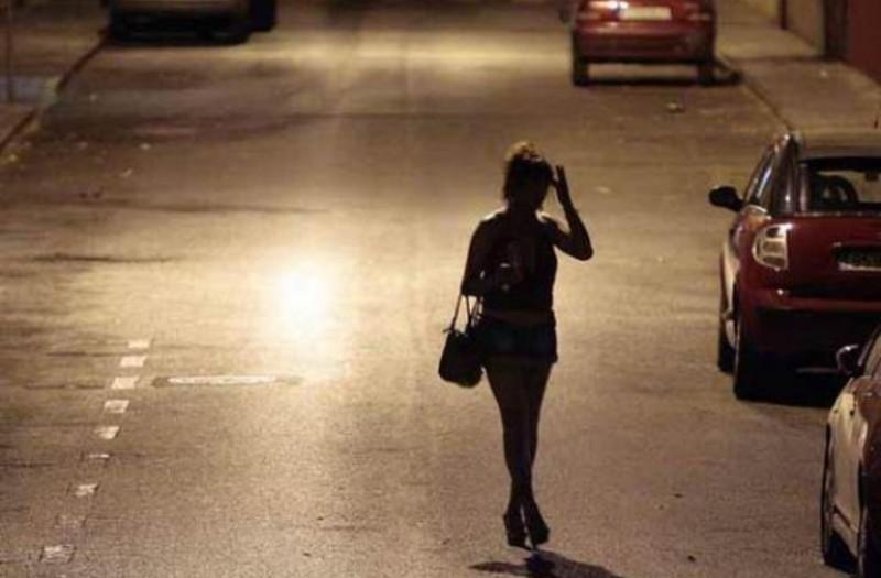 La prostitución, un gremio en crisis en el que el 89% de las sexoservidoras son jefas de hogar