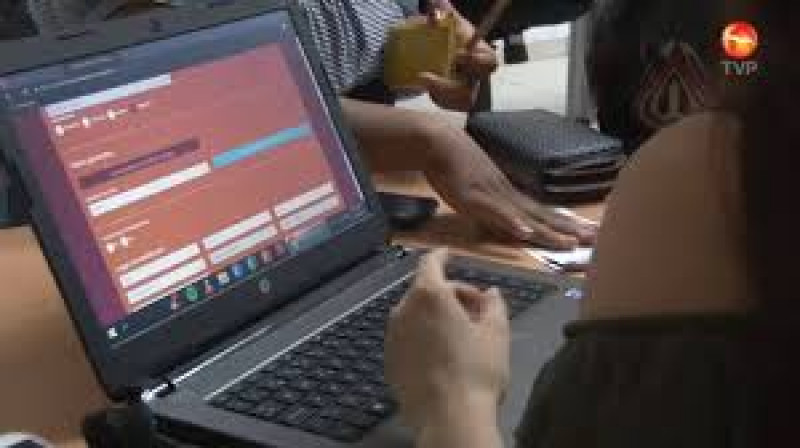 Docentes podrán tener computadoras