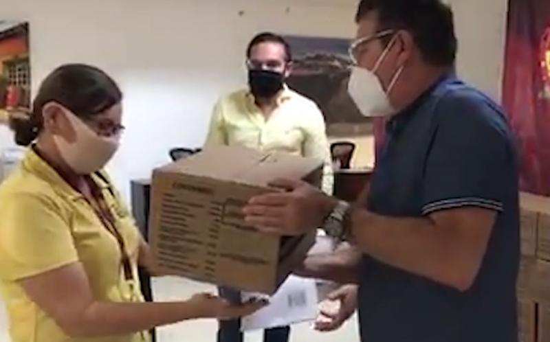 SECTUR entrega despensas a operadores y guías turísticos