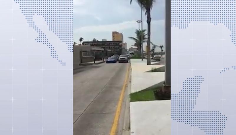 Automovilistas realizan arrancones en la Av. del Mar