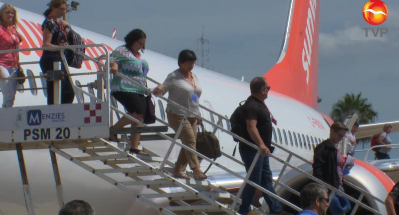 Por pandemia, personas dejan de viajar vía aérea