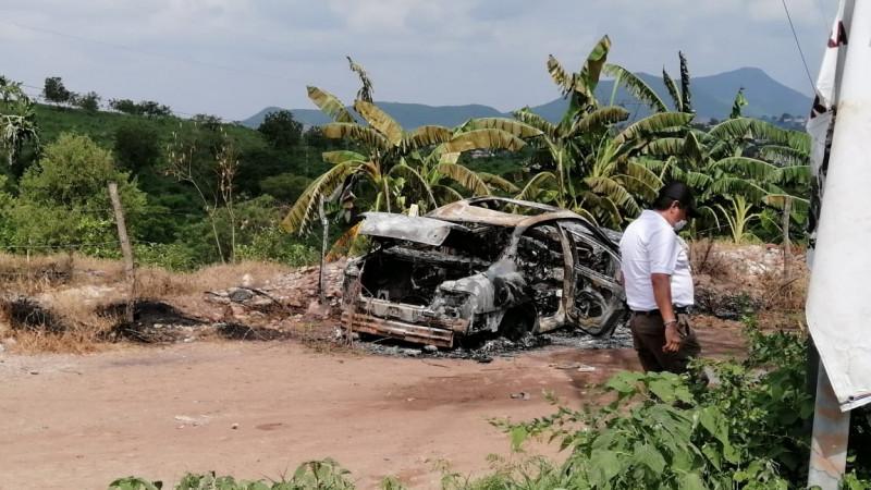 Encuentran a joven asesinado y calcinado al interior de un automóvil