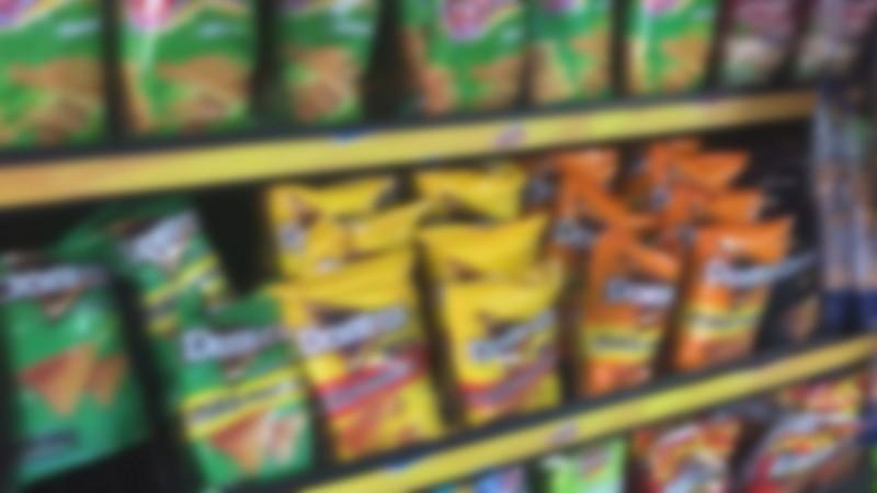 Morena va por sanciones contra escuelas que vendan comida chatarra