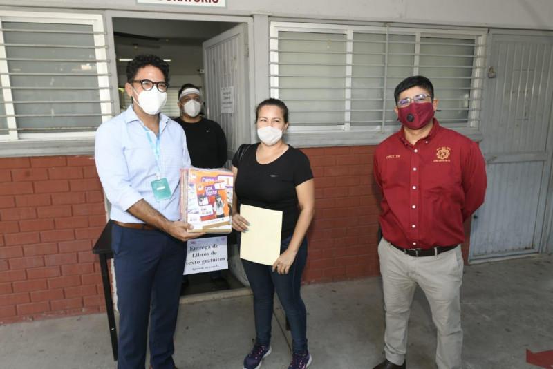 Inicia la entrega de libros de texto gratuitos en Sinaloa