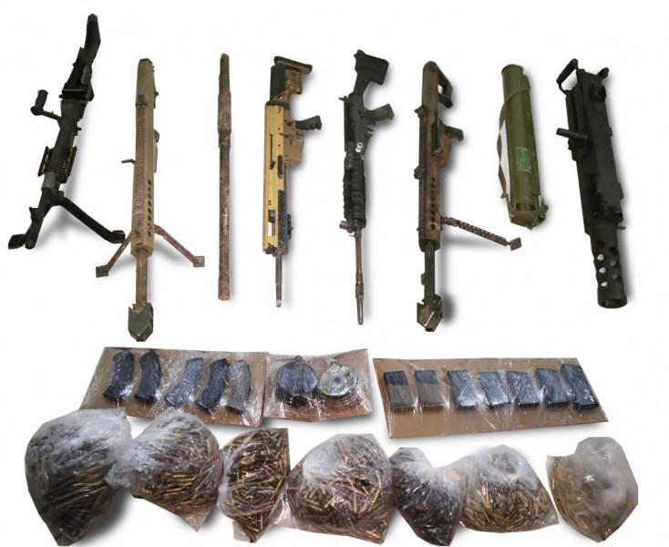Tras operativo aseguran armas, lanzacohetes y vehículo con reporte de robo