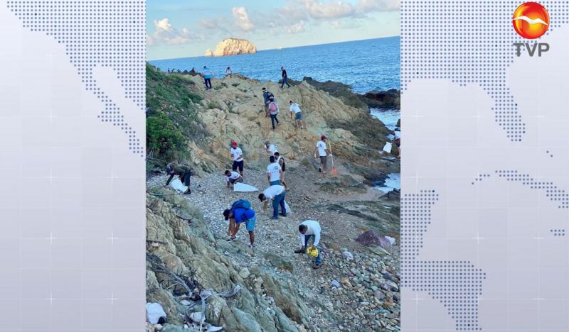 Limpian zonas de playa y retiran 869 kilos de desechos