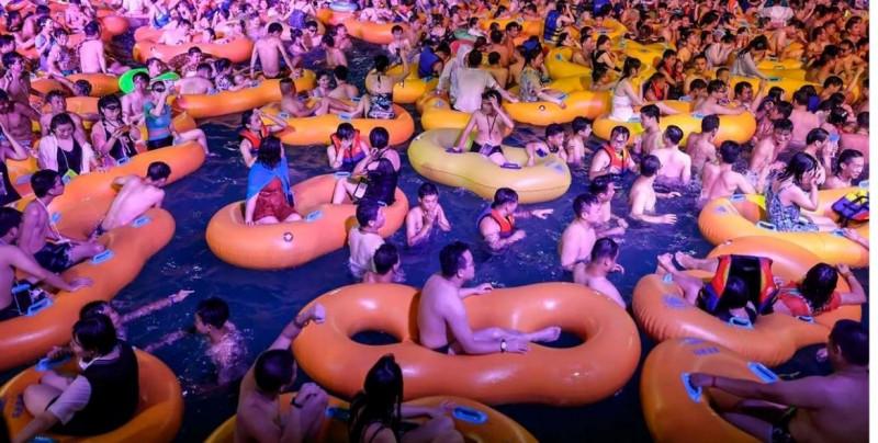 En Wuhan, China, celebran con esta macrofiesta el fin de su epidemia