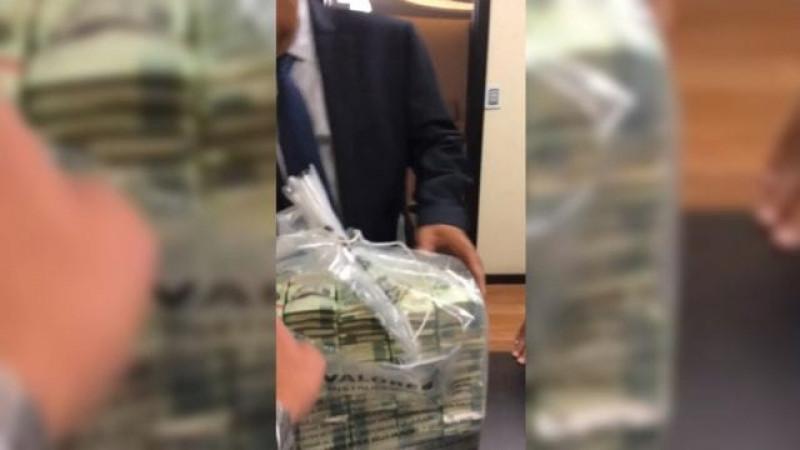 Sale a la luz pública el video de la supuesta entrega de sobornos de parte de Emilio Lozoya a Senadores de oposición