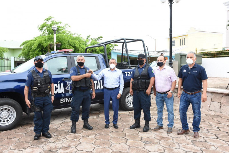 Ayuntamiento de Rosario entrega dos patrullas a la Policía Municipal