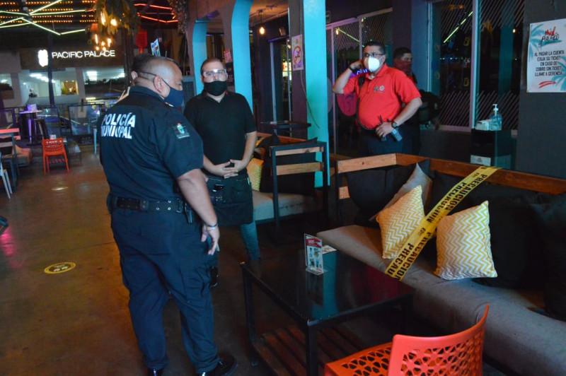 Realizan autoridades operativo en bares de Mazatlán