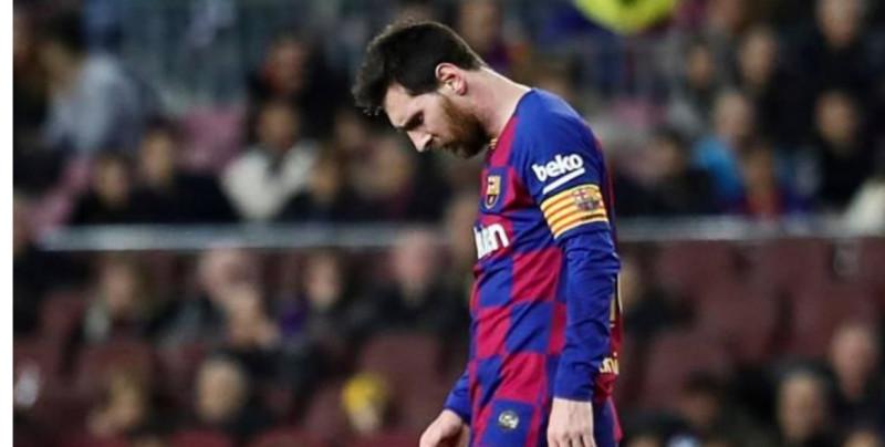 """Messi se ve """"más fuera que dentro"""" del Barça, según medios españoles"""