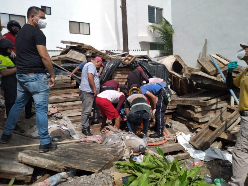 Dos lesionados tras desplome de cimbra en construcción de Sábalo Country
