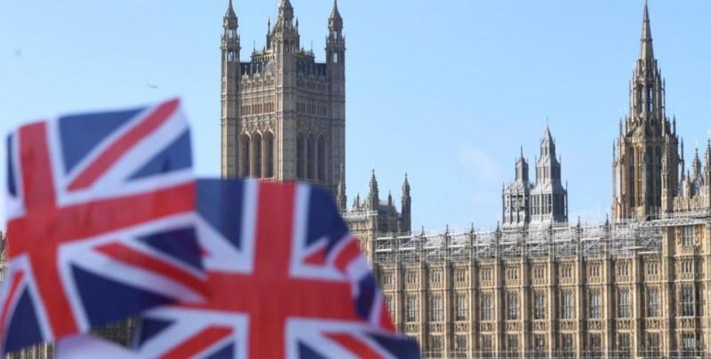 Por apoyos en la pandemia, deuda de Reino Unido llega al 100.5% de su PIB