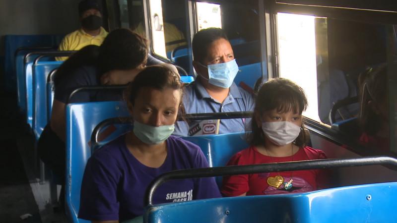 Extreman medidas sanitarias en transporte público