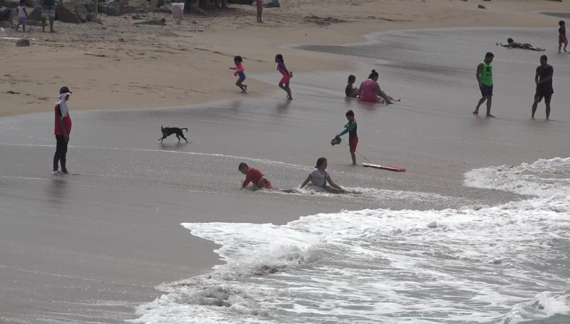 Brinda ESA decenas de atenciones leves en playas esta semana