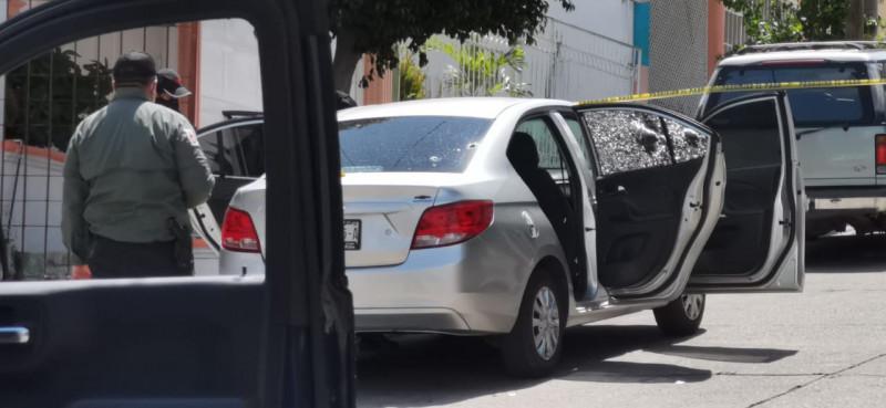 Registran vehículo con impactos de bala en Culiacán