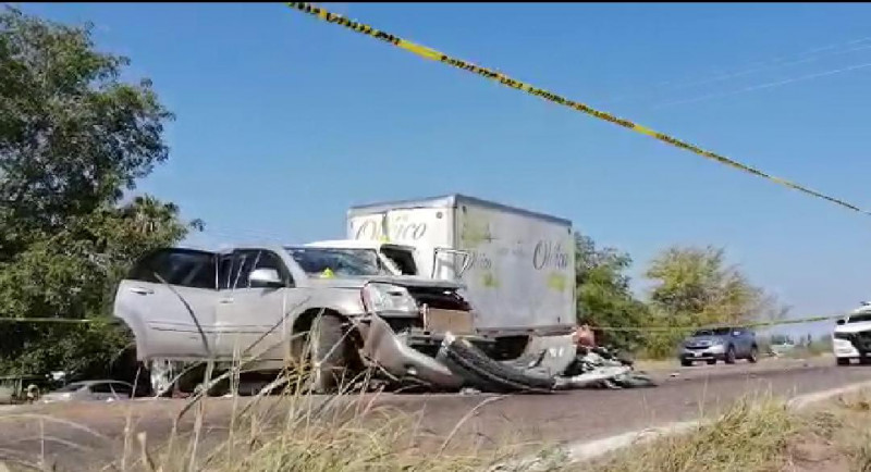 Fallecen 2 personas en accidente automovilístico en Elota