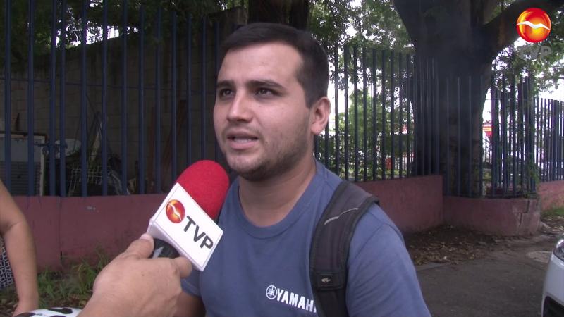Joven ejemplar regresa celular a conductor en Mazatlán