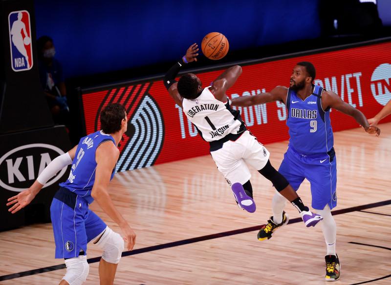 Los Clippers vencen a los Mavericks