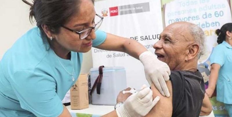 Moderna promete respuesta inmune para ancianos con su vacuna de covid-19