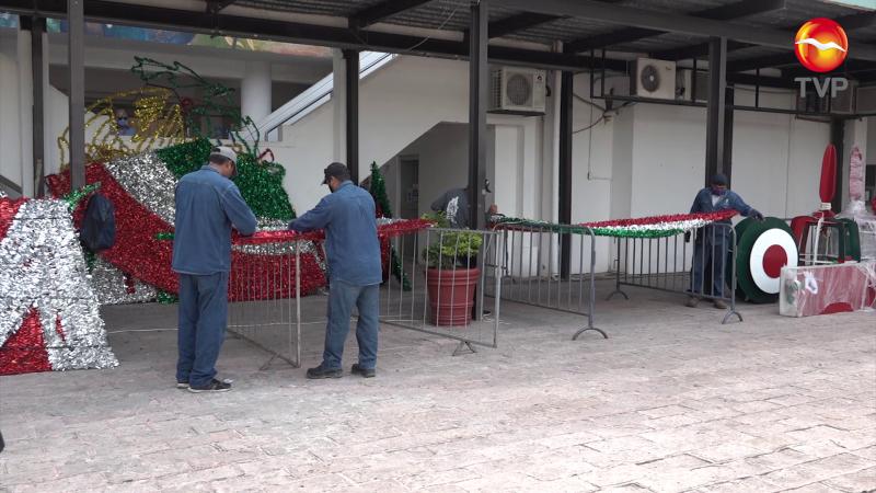 Comienza a vestirse tricolor el Palacio Municipal